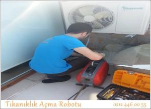 Tıkanıklık Açma Robotu kırmadan yapılmaktadır.